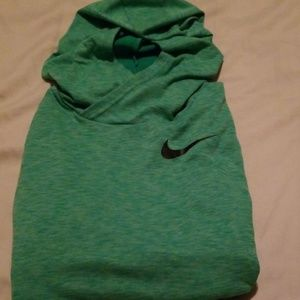 Boys  Medium Nike Dri Fit Hoodie!
